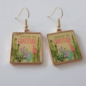 Square charm succulents earrings